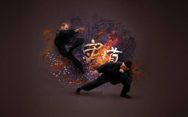 01.激しい戦いを繰り広げる道着姿の格闘家のかっこいい写真壁紙画像