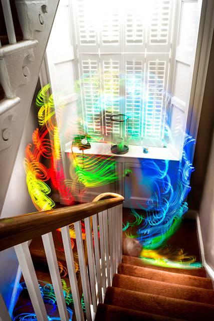 Wi-Fiの電波を鮮やかに可視化したサイバーアート - 04