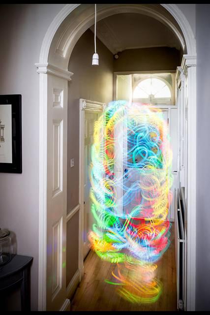 Wi-Fiの電波を鮮やかに可視化したサイバーアート - 05