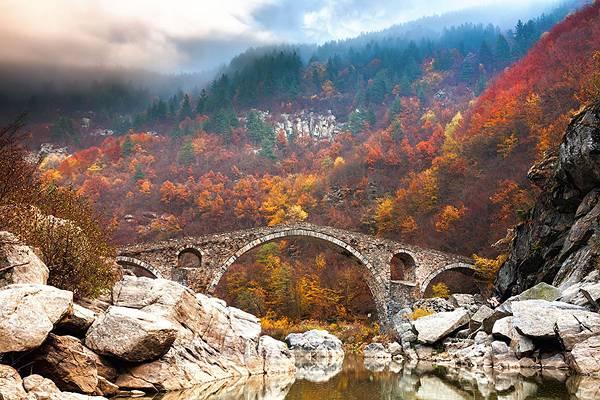 自然と完璧に調和した美しすぎる世界の橋 - 02
