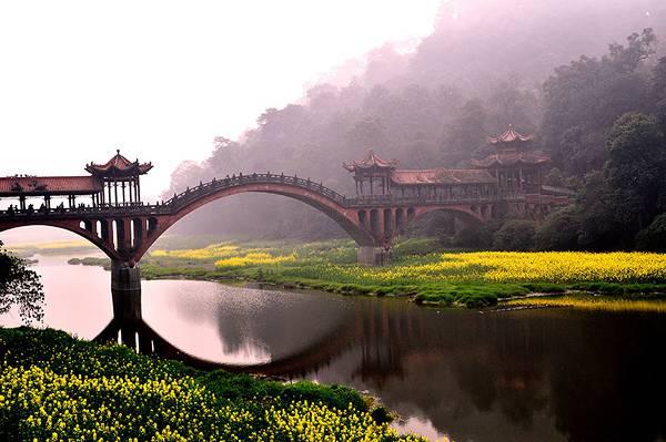 自然と完璧に調和した美しすぎる世界の橋 - 10