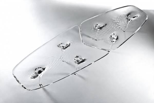 完璧な液体デザインの美しいガラステーブル - 02