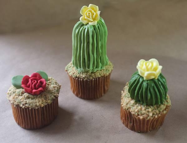 サボテン型のカップケーキの完成度が高すぎて可愛い! - 06