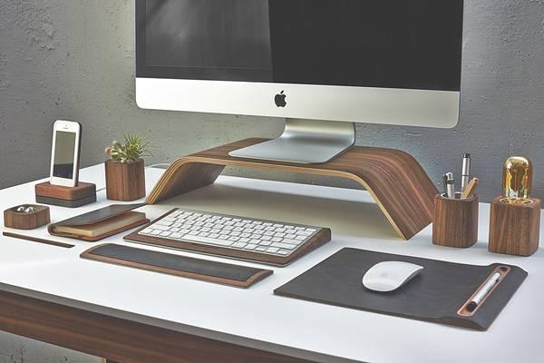 iMac環境を上品に飾る木製デスクアイテムコレクション - 01