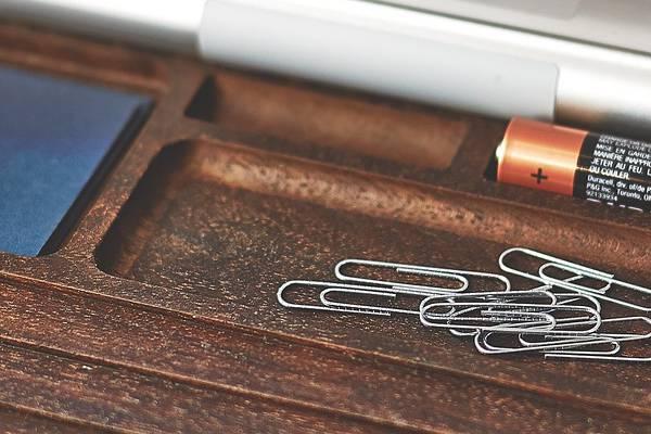 iMac環境を上品に飾る木製デスクアイテムコレクション - 05