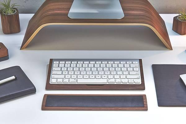 iMac環境を上品に飾る木製デスクアイテムコレクション - 08
