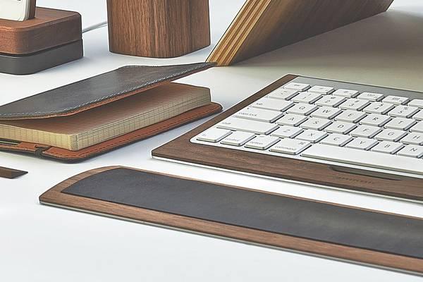 iMac環境を上品に飾る木製デスクアイテムコレクション - 09
