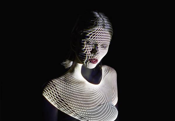 光を投影して作る美しいポートレート作品 - 07