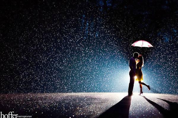 悪天候の中撮影された美しいウェディングフォト - 07