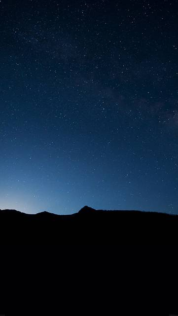 mg92-night-sky-wide-mountain-star-shining-nature