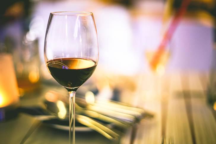 赤ワインのクローズアップのお洒落な写真