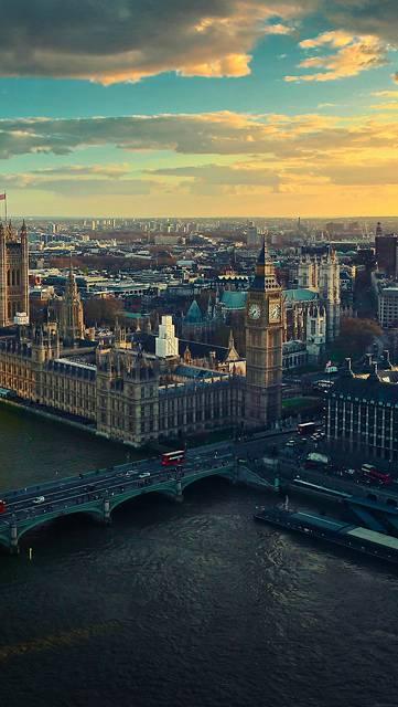 ビッグベンとロンドンの町並み