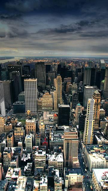 ビル街を空撮した壁紙画像