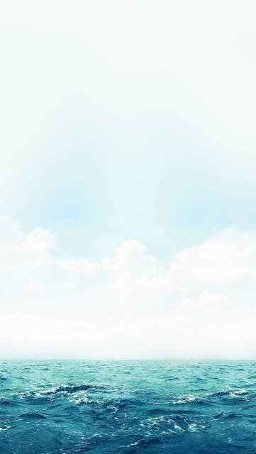 夏の海と空のシンプルな壁紙画像