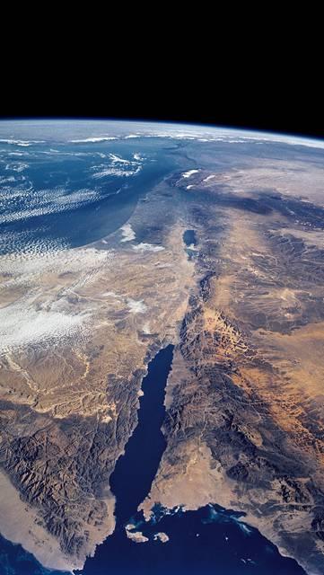 宇宙から見た地球の美しい写真
