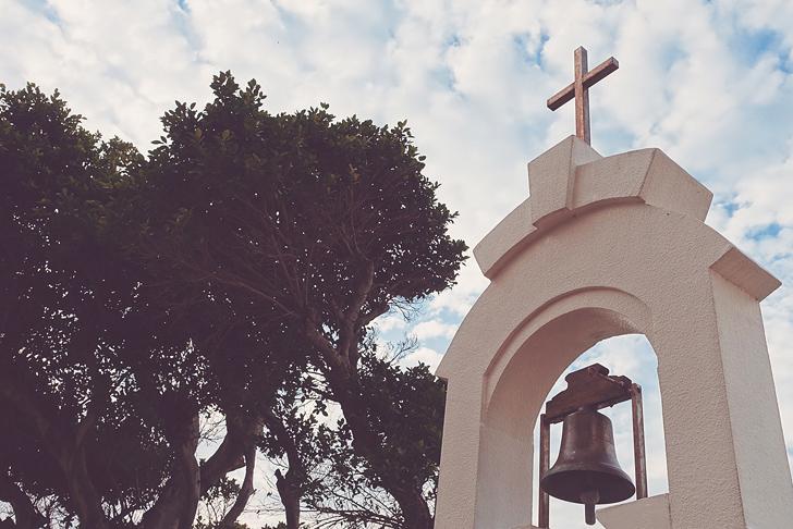 青空と十字架