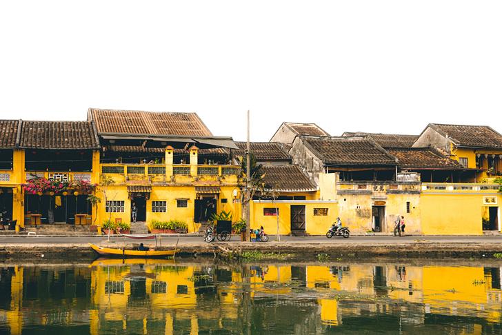 ベトナムの黄色い家々