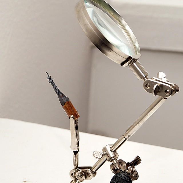 鉛筆の芯で作る超極小の彫刻作品シリーズ - 09